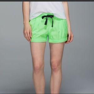 Lululemon Spring Break Away Shorts Sz 4